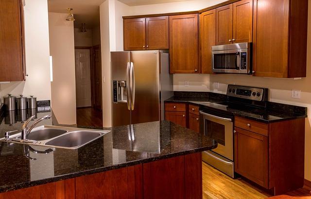 【2019年】冷蔵庫の買い時はいつ?一年で最も価格が下る時期とは
